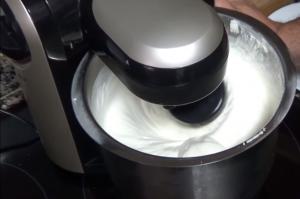 como hacer nata montada con robot de cocina