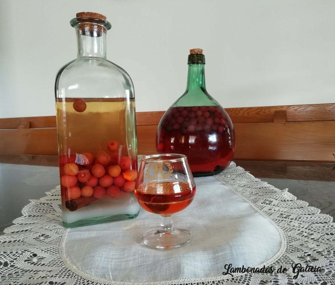 licor de guindas casero tipico gallego