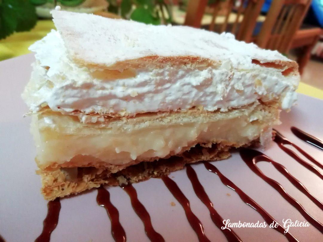 milhojas-de-merengue-y-crema-pastelera