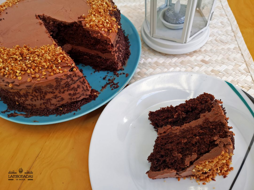 tarta de chocolate y cafe