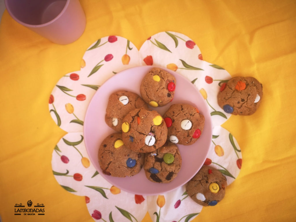 galletas de lacasitos y pepitas de chocolate
