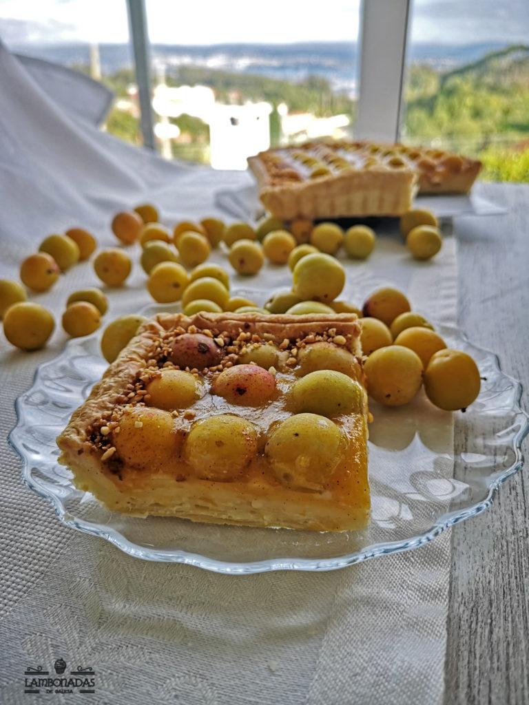 tarta de mirabeles con hojaldre y crema pastelera