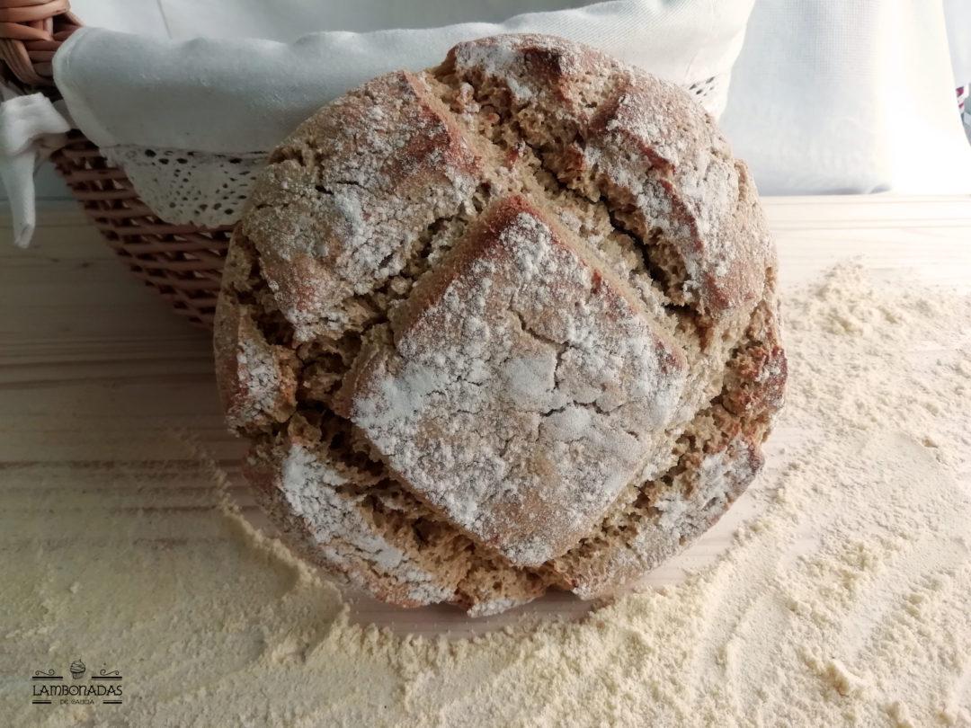 pan de maiz gallego de frente
